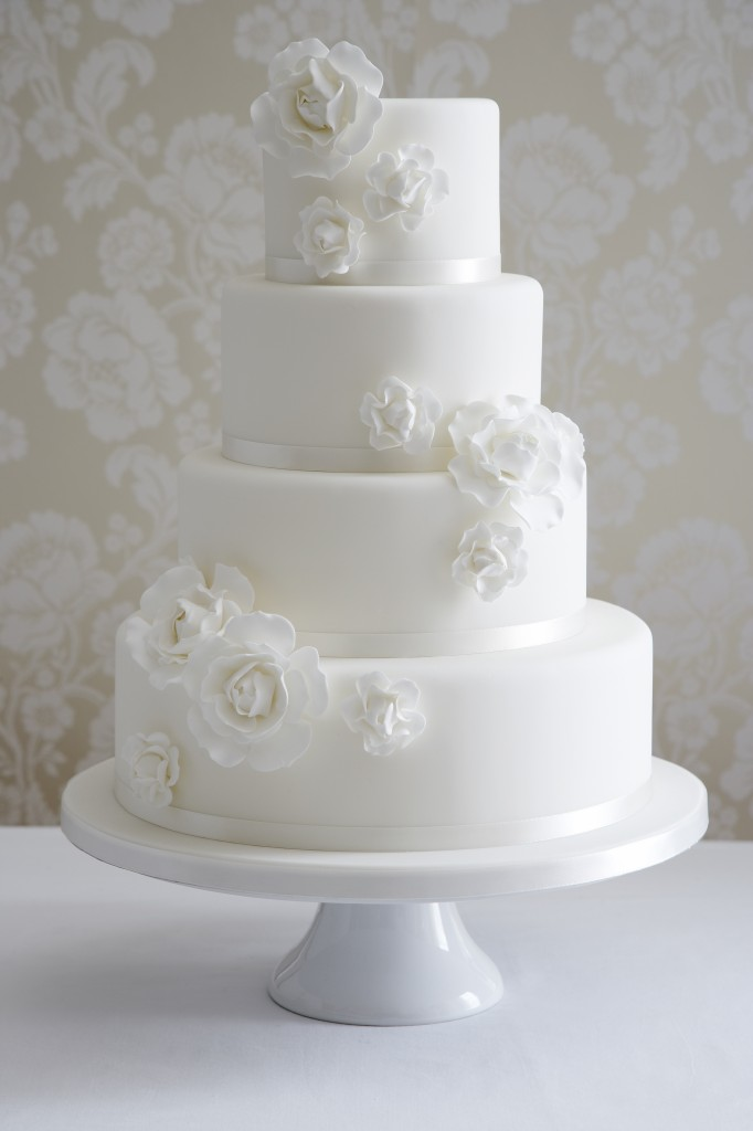 Wedding cake with stylised roses