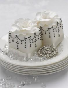 Chandelier mini cakes