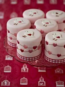 Heart mini cakes