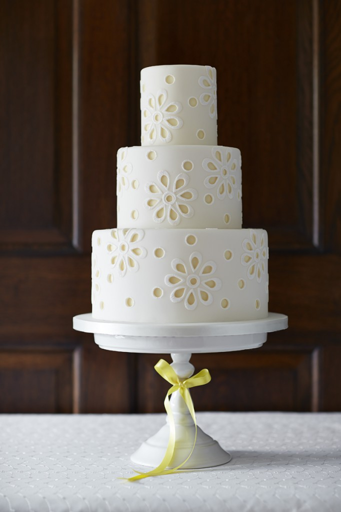 Broderie Anglaise wedding cake