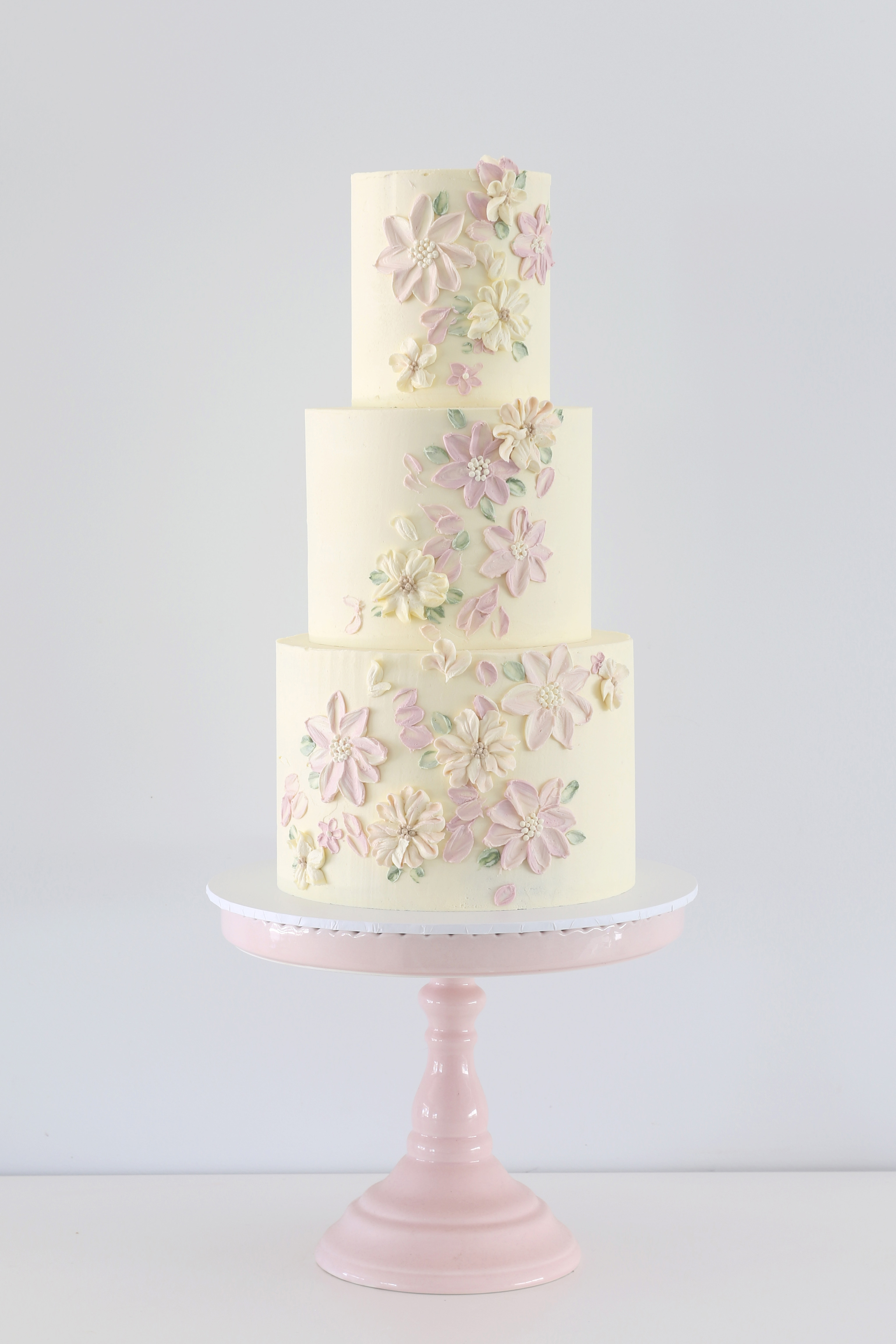 For Those Looking An Alternative Wedding Cake Zoe Clark Cakes Also Offers A Stunning Patisserie Style Range This Includes Delicious Buttercream
